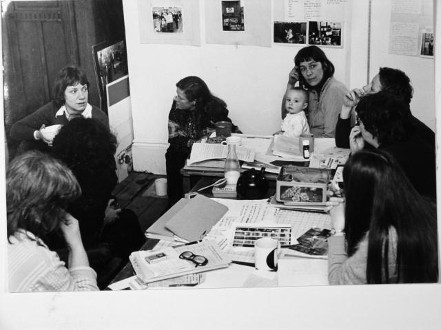 A meeting of Hackney Flashers members in a members home in the 1970s ©Hackney Flashers
